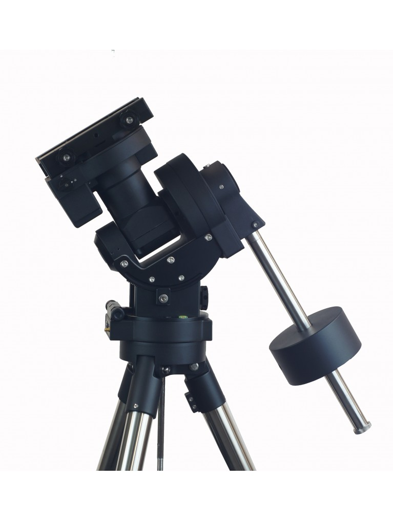 "iOptron CEM70 ""center-balanced"" go-to equatorial mount, iPolar finder, without tripod"