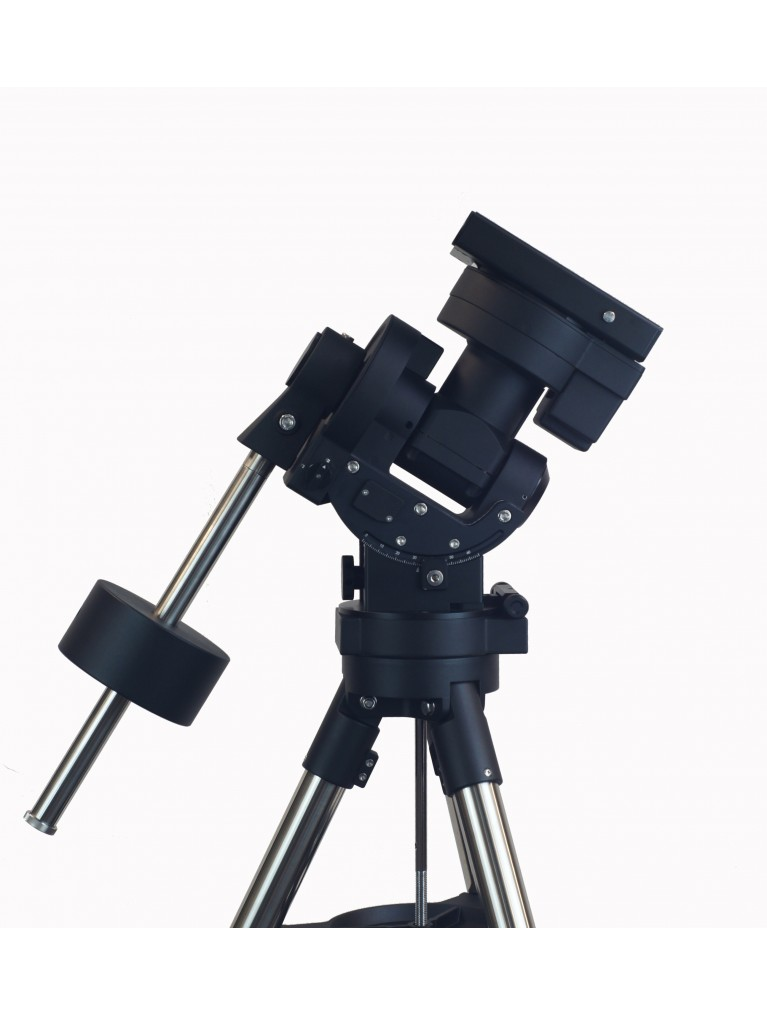 "iOptron CEM70G ""center-balanced"" go-to equatorial mount, with IGuider Optical Guider, without tripod"